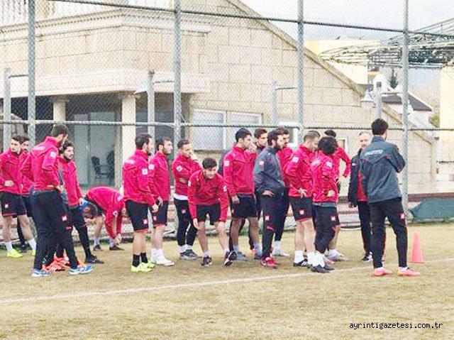 Kırıkkalespor'a 13 futbolcu takviyesi