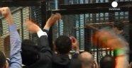 Hüsnü Mübarek 3 Yıl Hapis Cezasına Çarptırıldı
