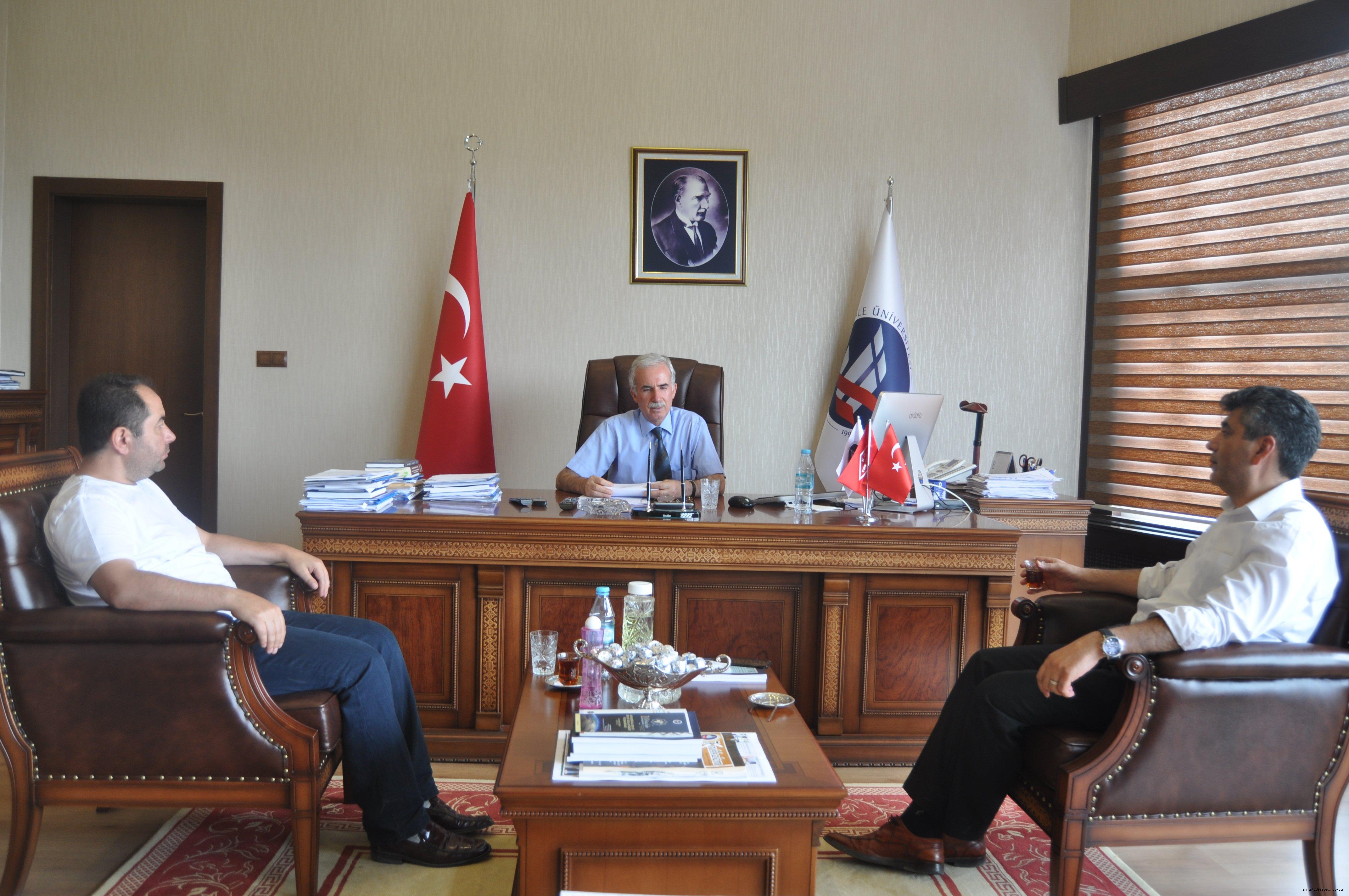 Türk Halkı tüm dünyaya ders verdi